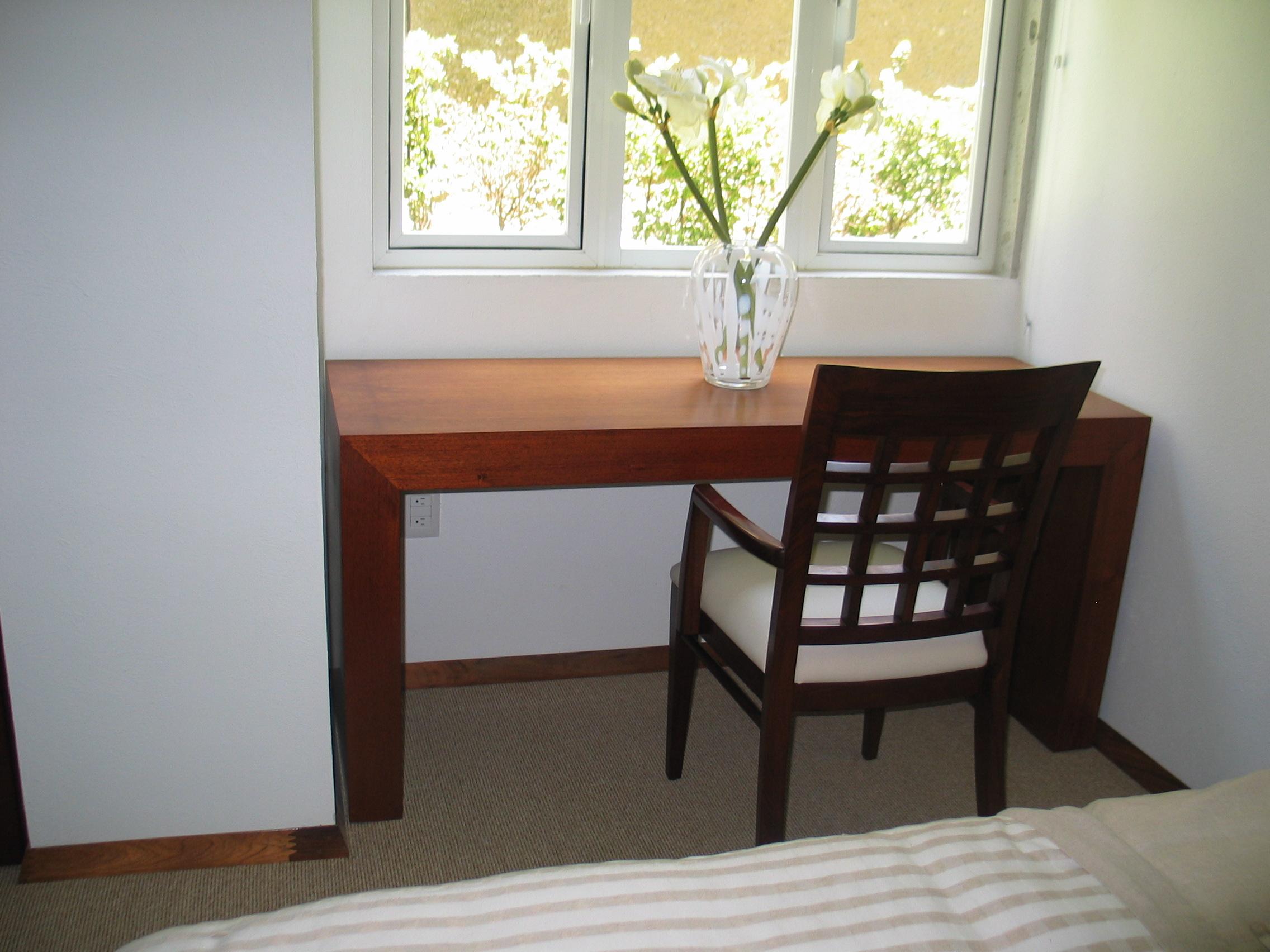 Escritorio rosario living habitat mexico for Muebles de oficina rosario